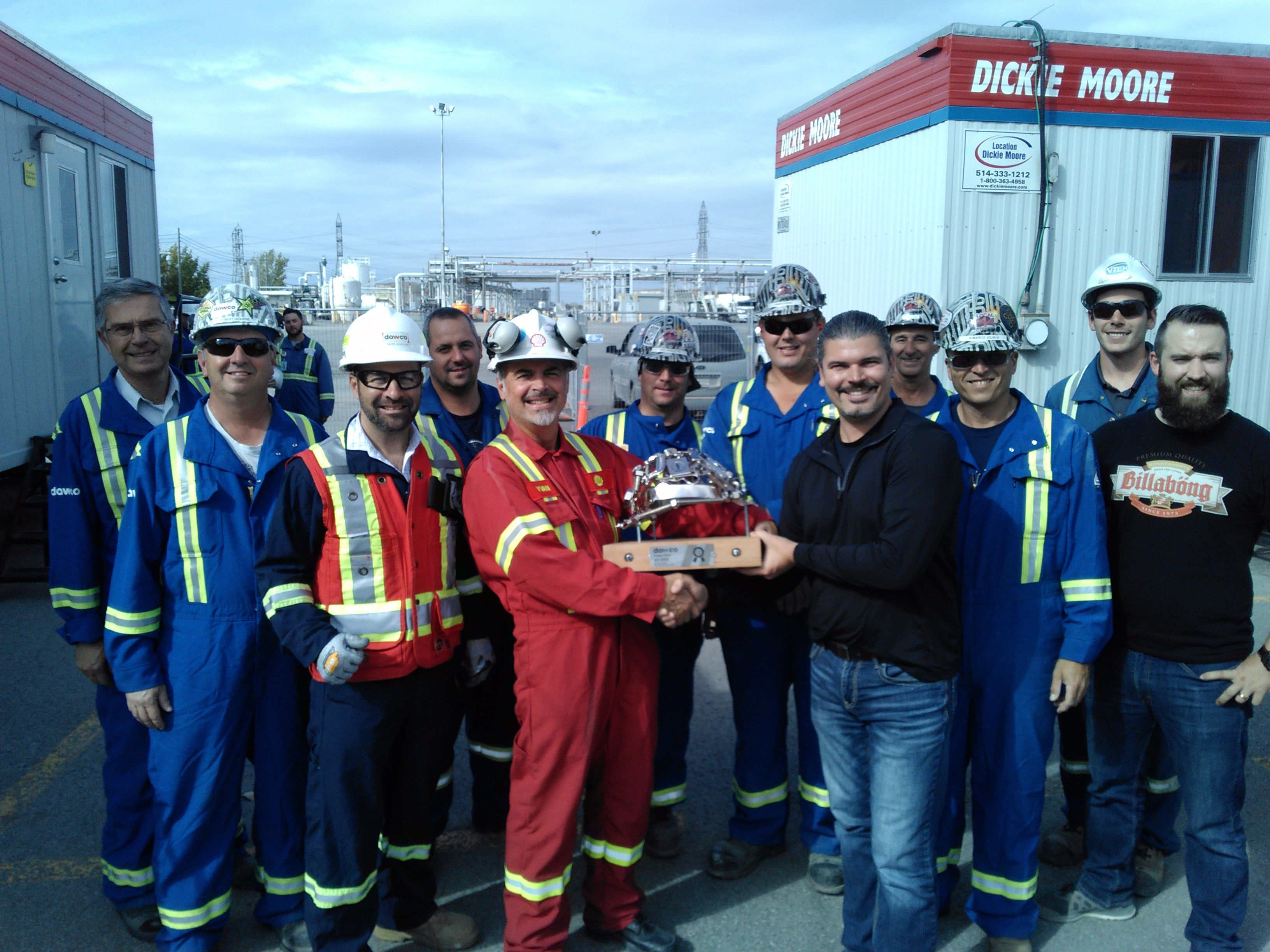 The DAWCO team at Shell receives the Health and Safety trophy