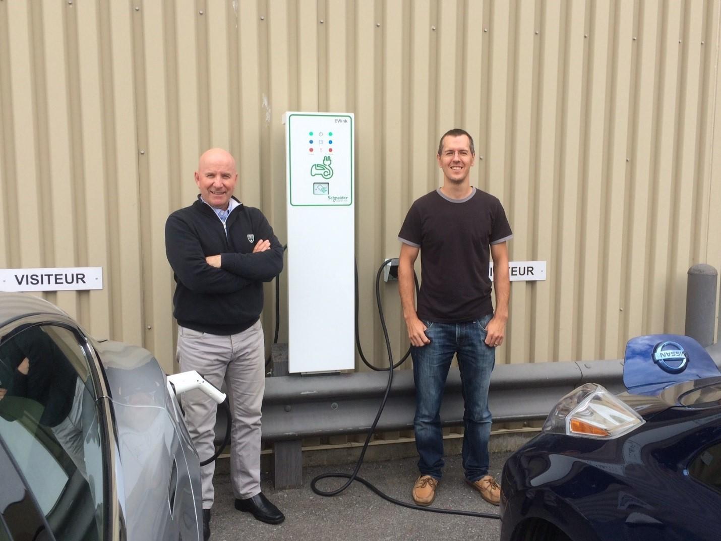 Le siège social du Groupe DCM à Montréal est maintenant équipé d'une borne de recharge pour véhicules électriques